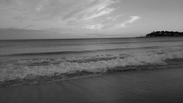 waves by anelephantcant