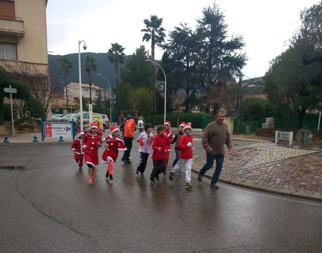Santa on the run by anelephantcant