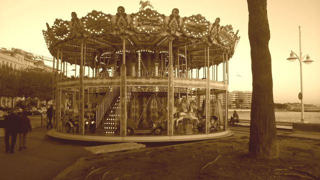 like a carousel by anelephantcant